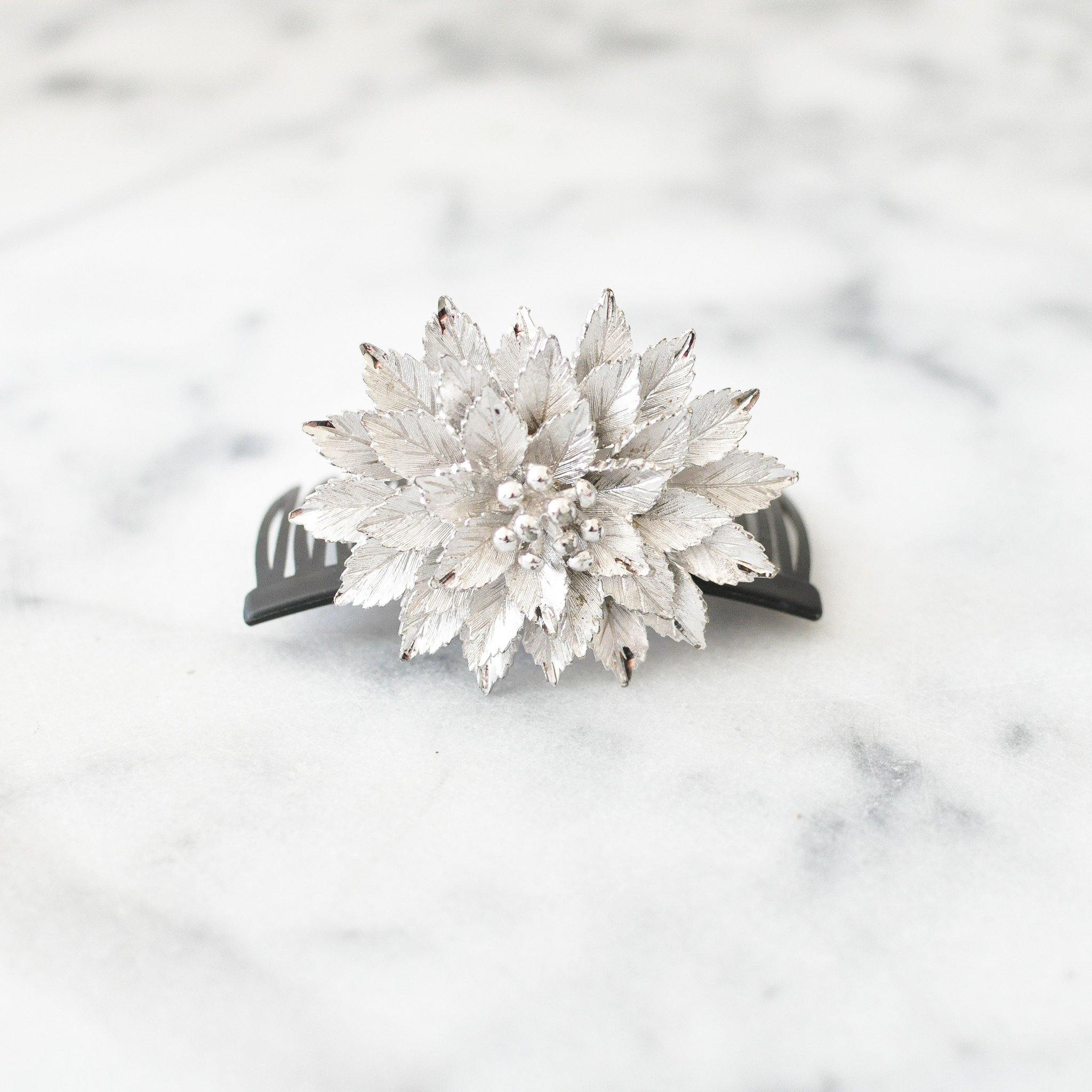 Silver Leaf Bun Pin