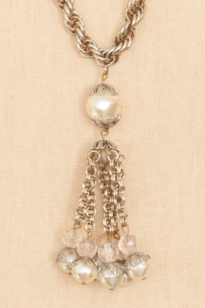 50's__Vintage__Pearl Tassel Necklace