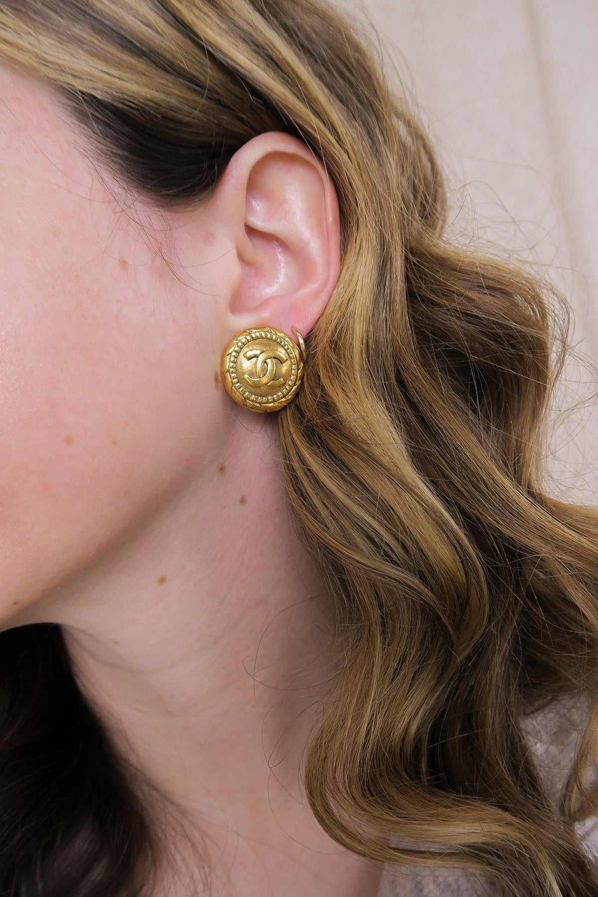 Vintage CC Twisted Rope Clip-on Coin Earrings from Sweet and Spark