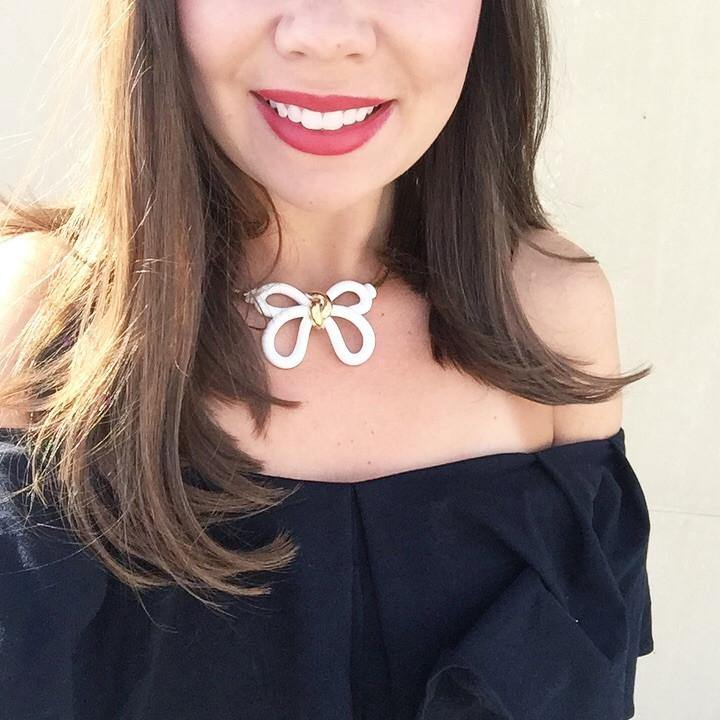 80's Bold Bow Necklace