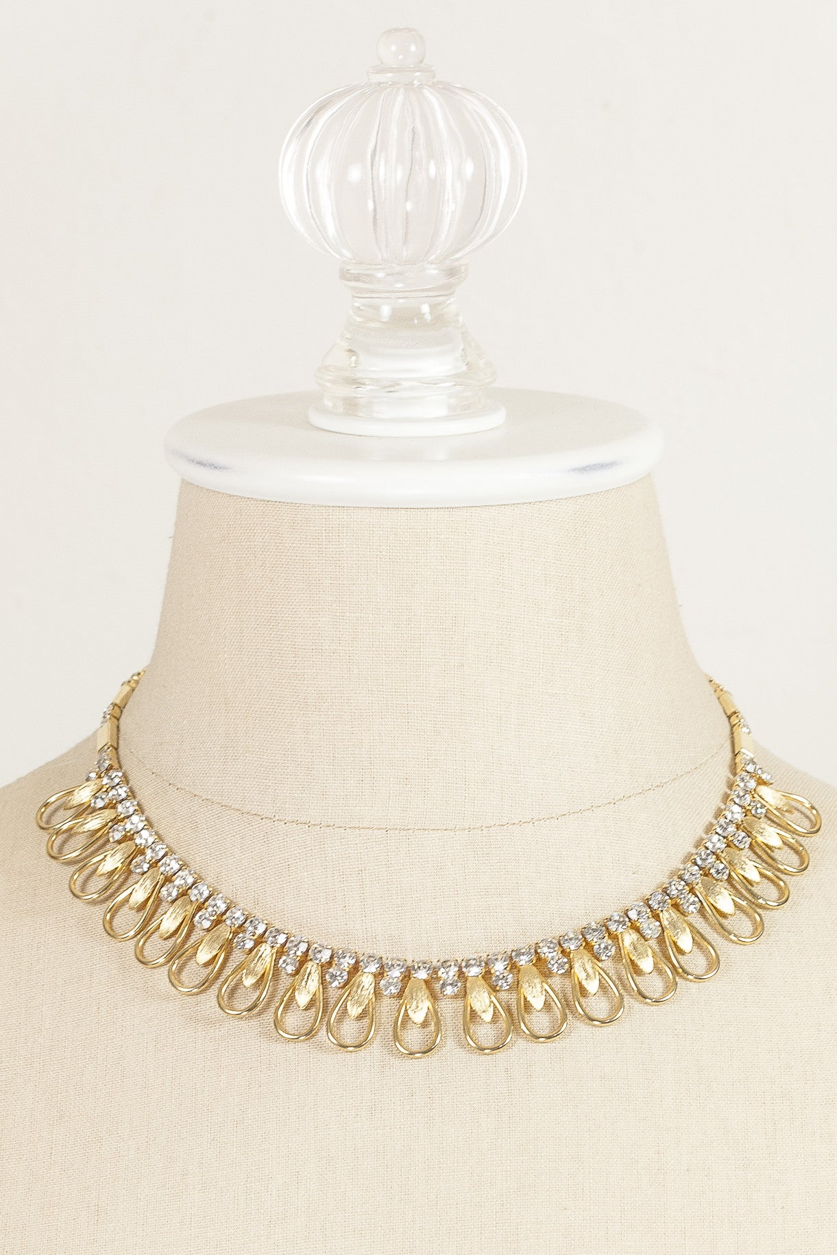 60's__Sarah Coventry__Scallop Bib Necklace