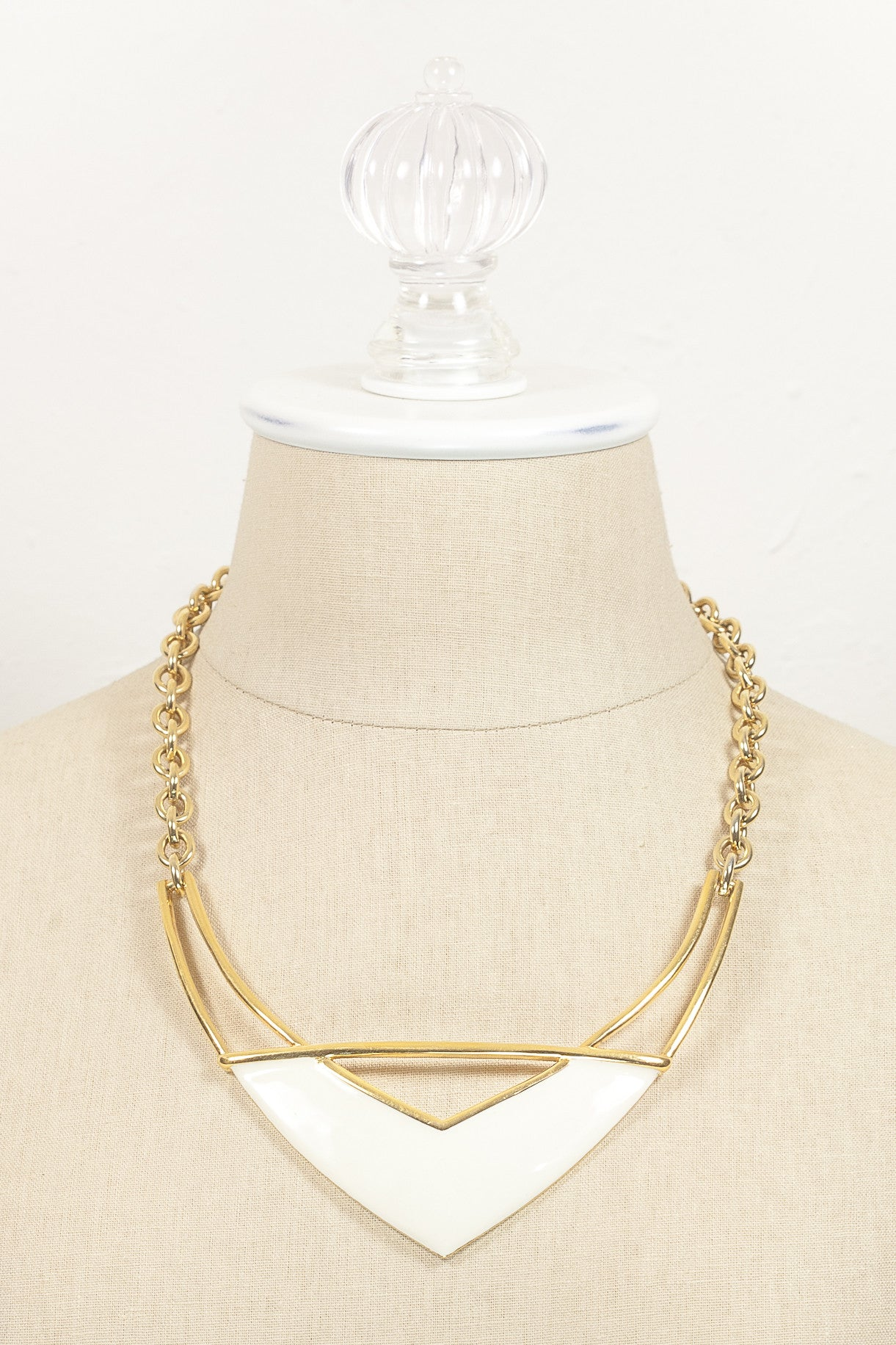 70's__Monet__Bold V Bar Necklace