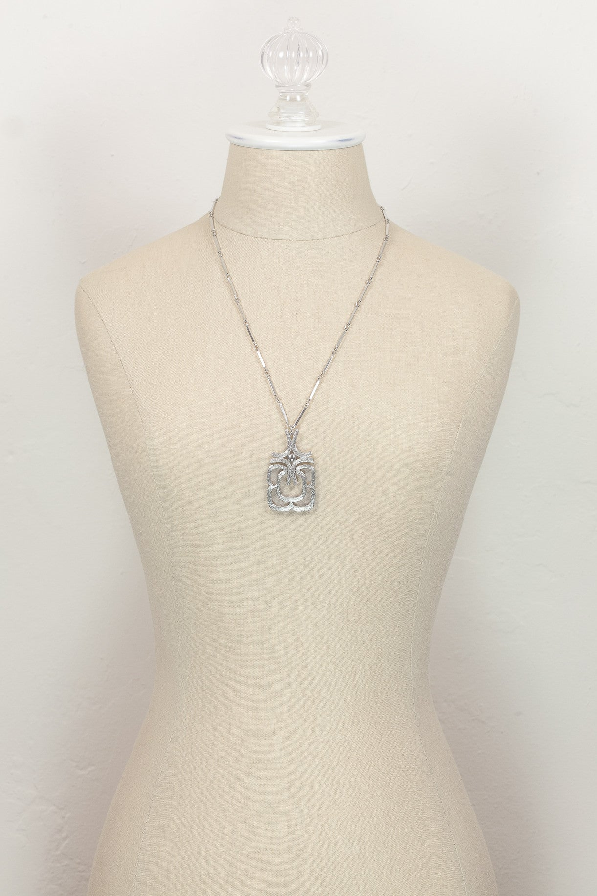 80's__Avon__Etched Silver Pendant Necklace