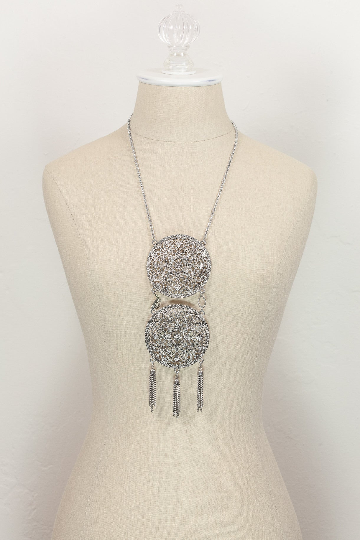 70's__Vintage__Bold Oversized Disc Tassel Necklace