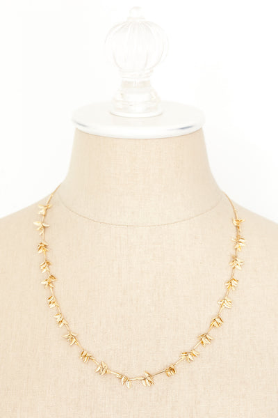 70's__Vintage__Dainty Leaf Necklace