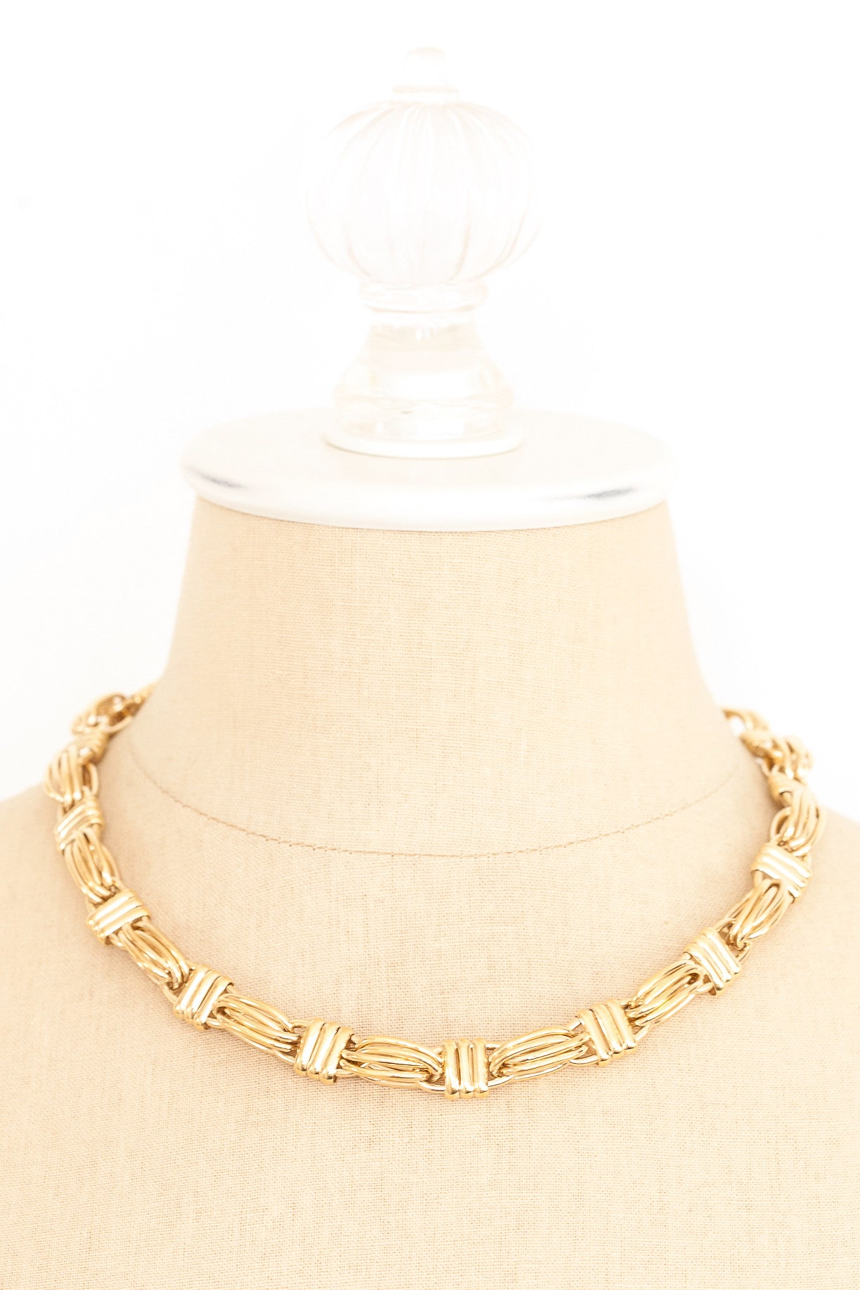 80's__Givenchy__Chunky Link Necklace