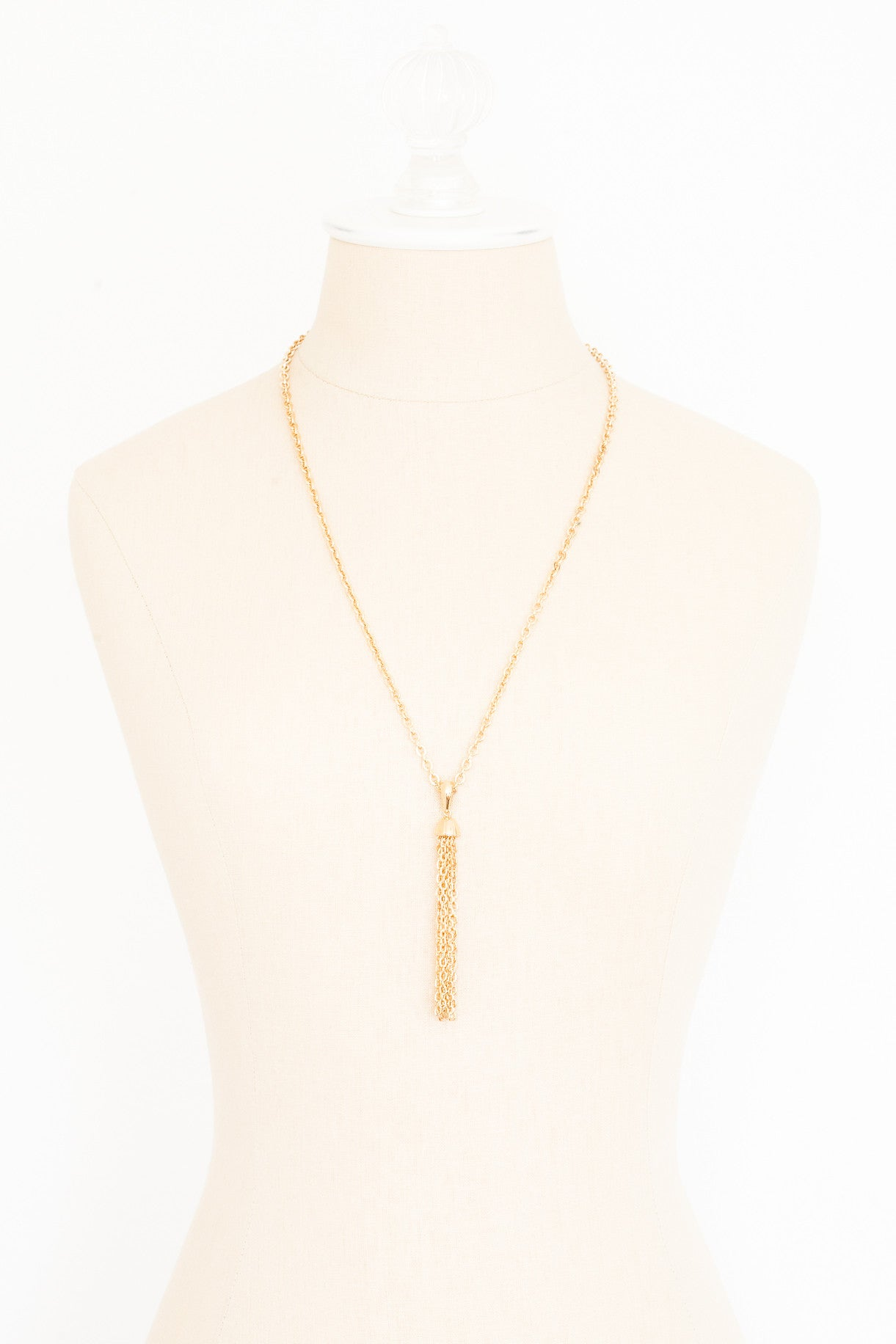 70's__Sarah Coventry__Dainty Tassel Necklace