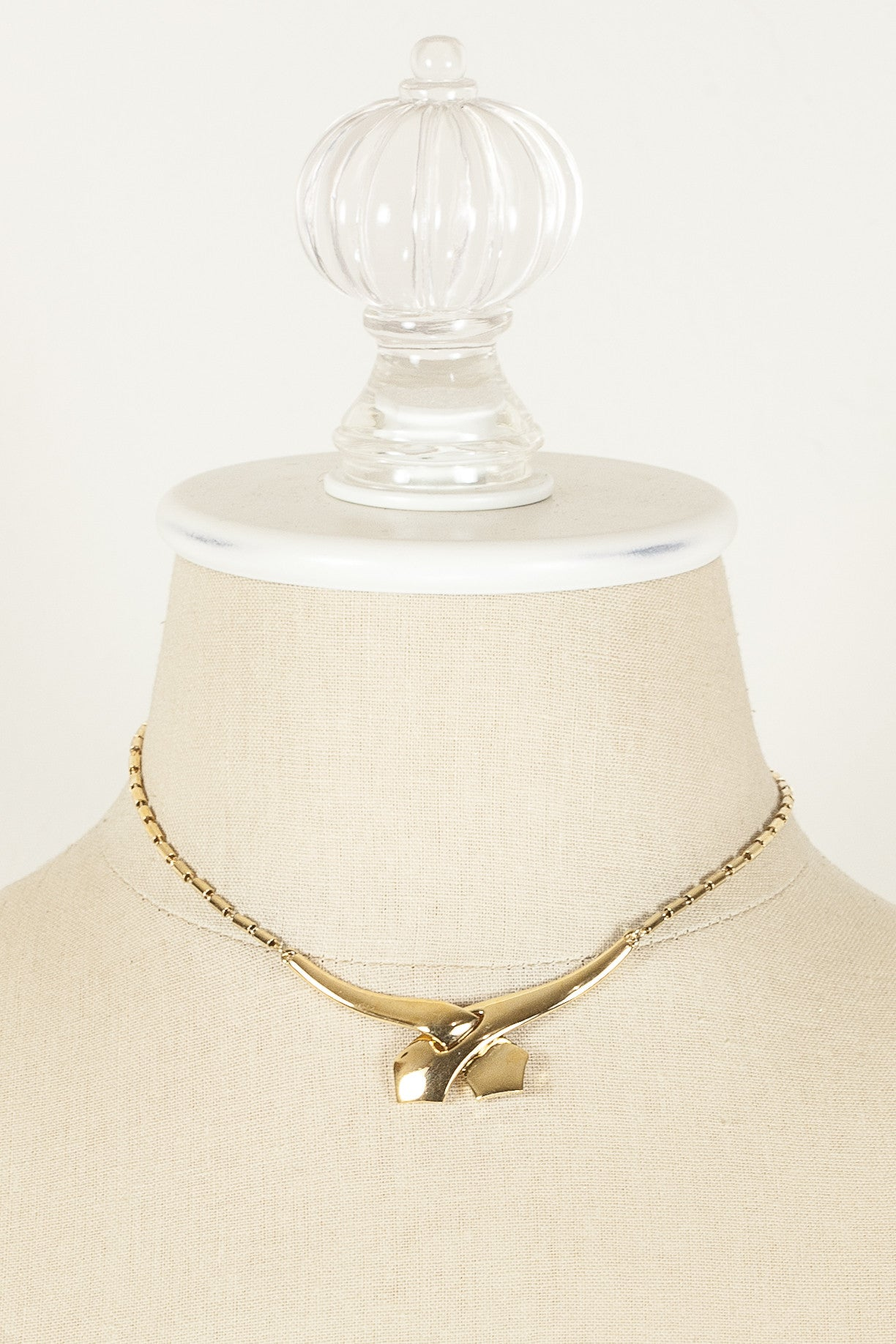 60's__Trifari__Love Knot Necklace