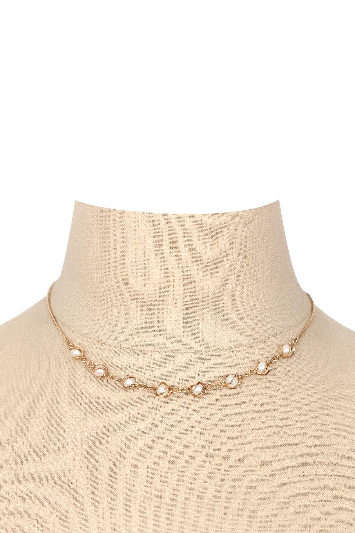 70's__Vintage__Dainty Pearl Necklace
