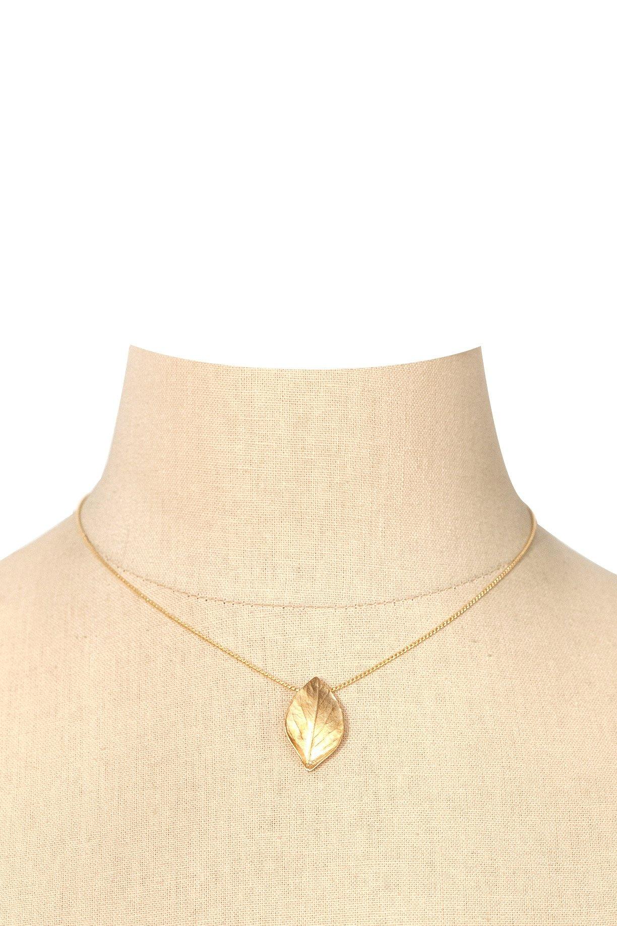 70's__Trifari__Etched Leaf Pendant Necklace