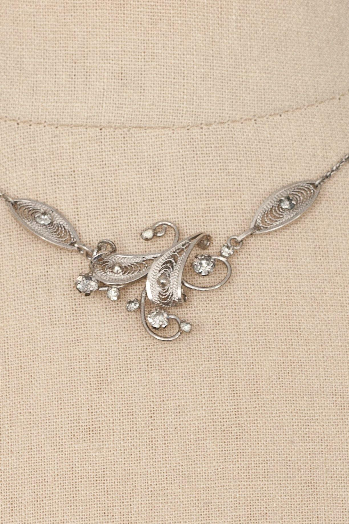 50's__Vintage__Sterling Silver Dainty Necklace