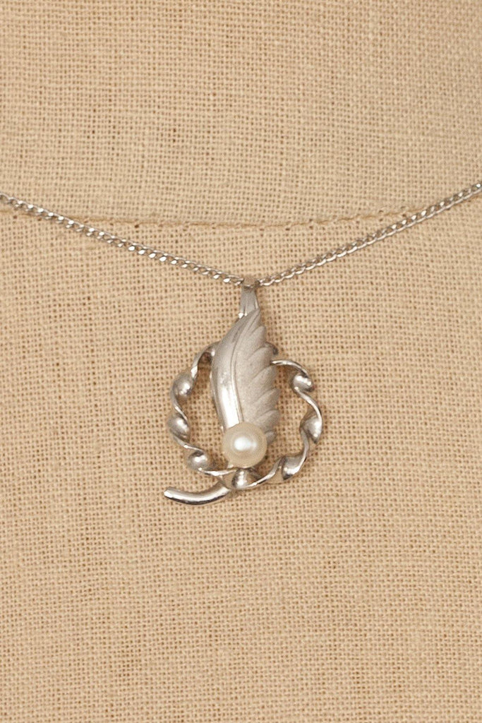 50's__Vintage__Sterling Silver Pearl Pendant Necklace