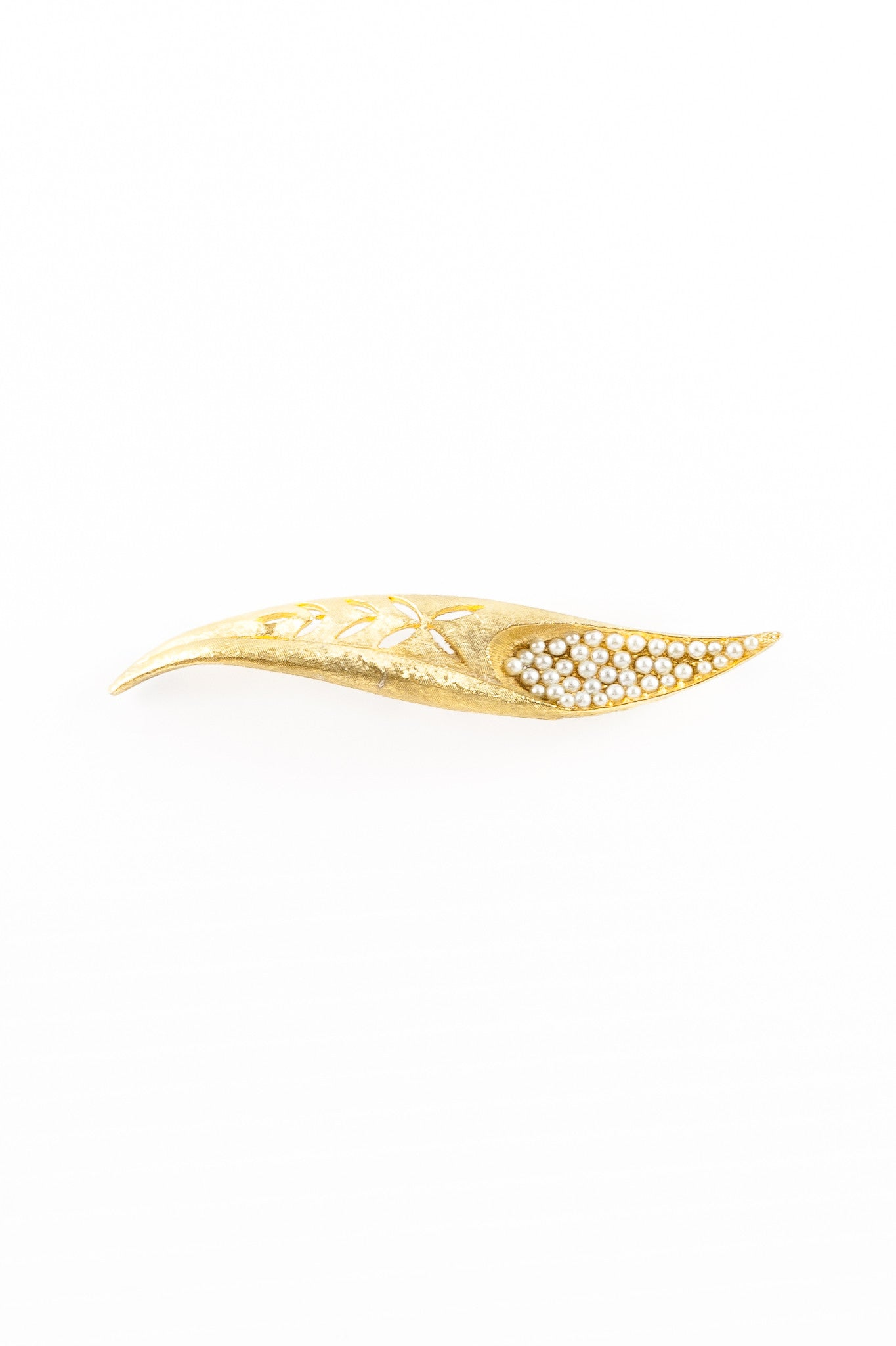 70's__Vintage__Pearl Feather Brooch