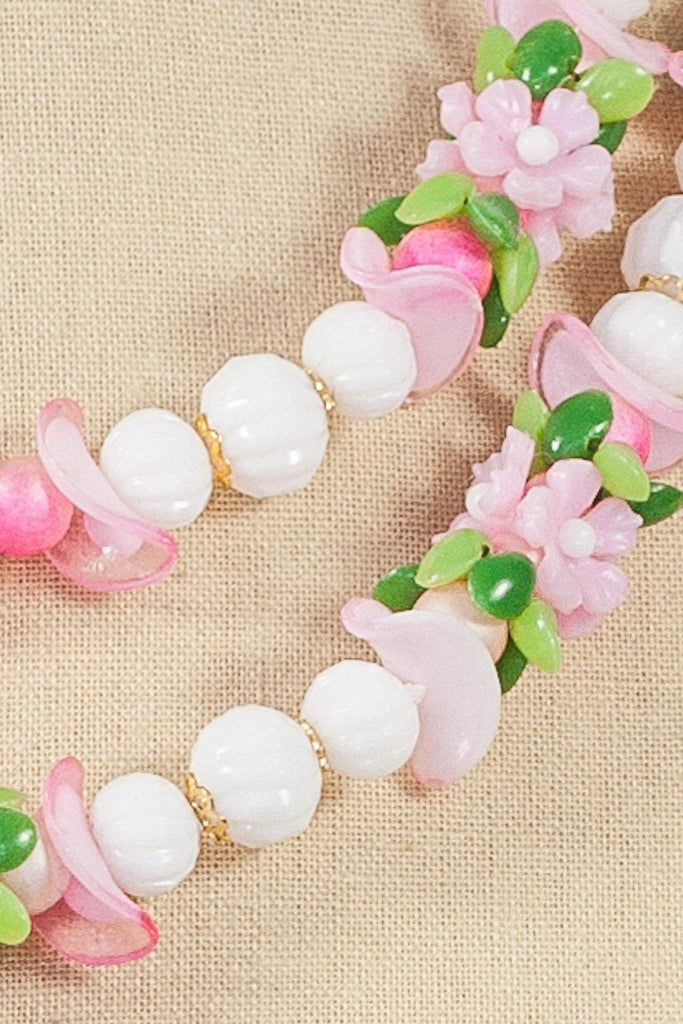 50's__Vintage__Beaded Floral Necklace