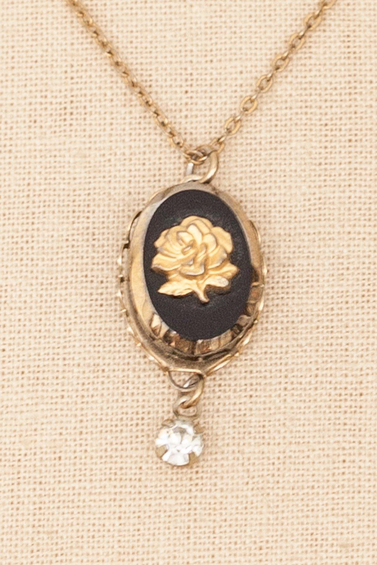50's__Vintage__Floral Pendant Necklace