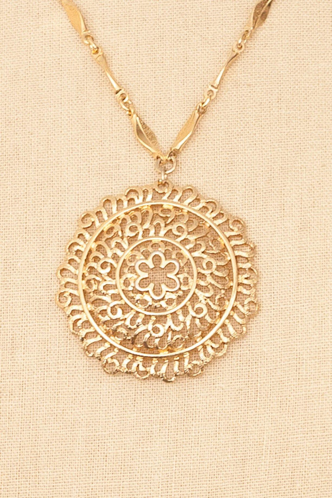 60's__Monet__Medallion Pendant Necklace