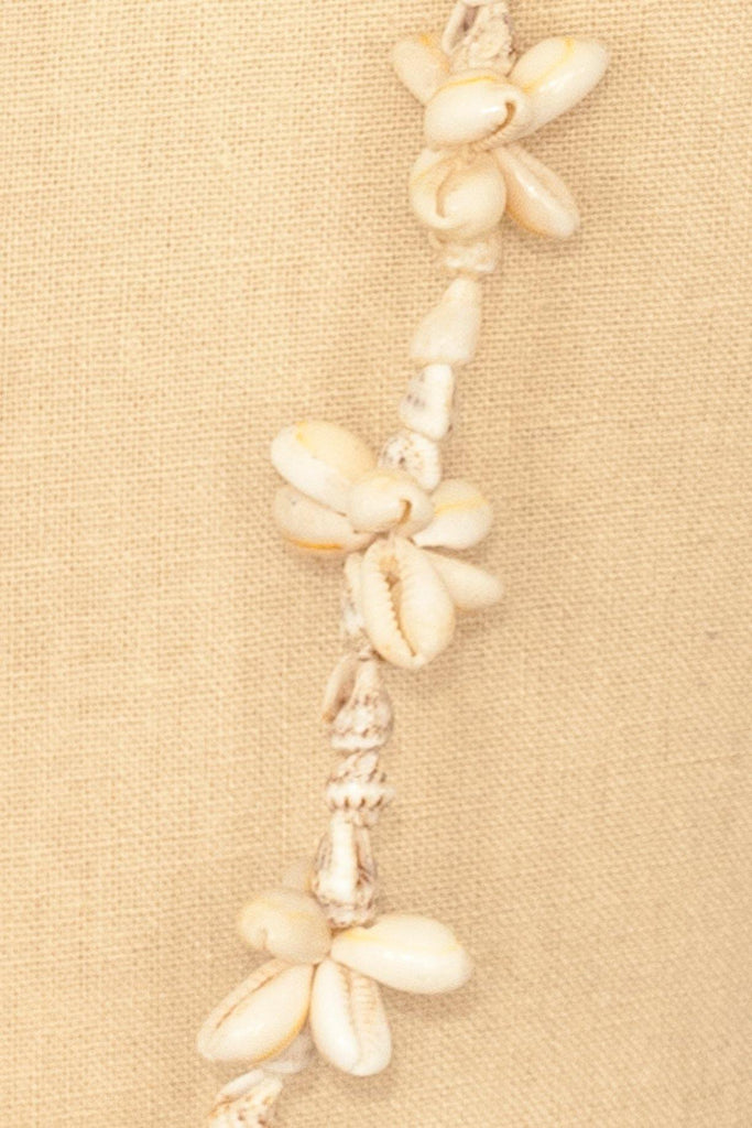 70's__Vintage__Long Shell Necklace
