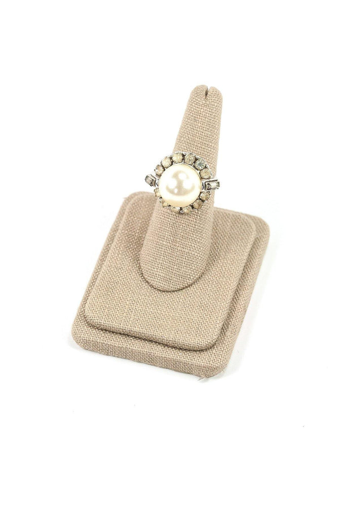 60's__Sarah Coventry__Adjustable Raised Pearl Ring
