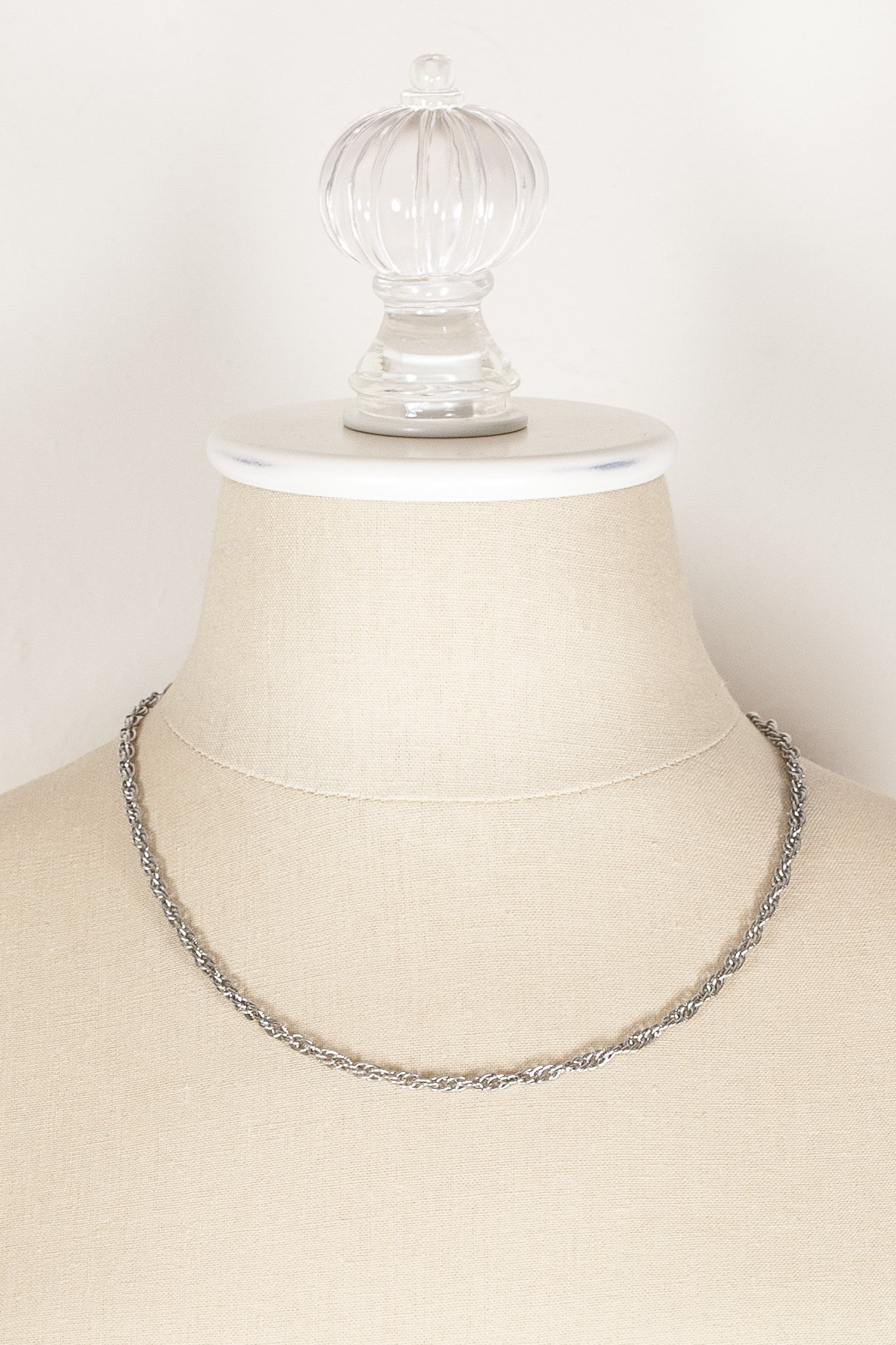 70's__Sarah Coventry__Classic Silver Necklace