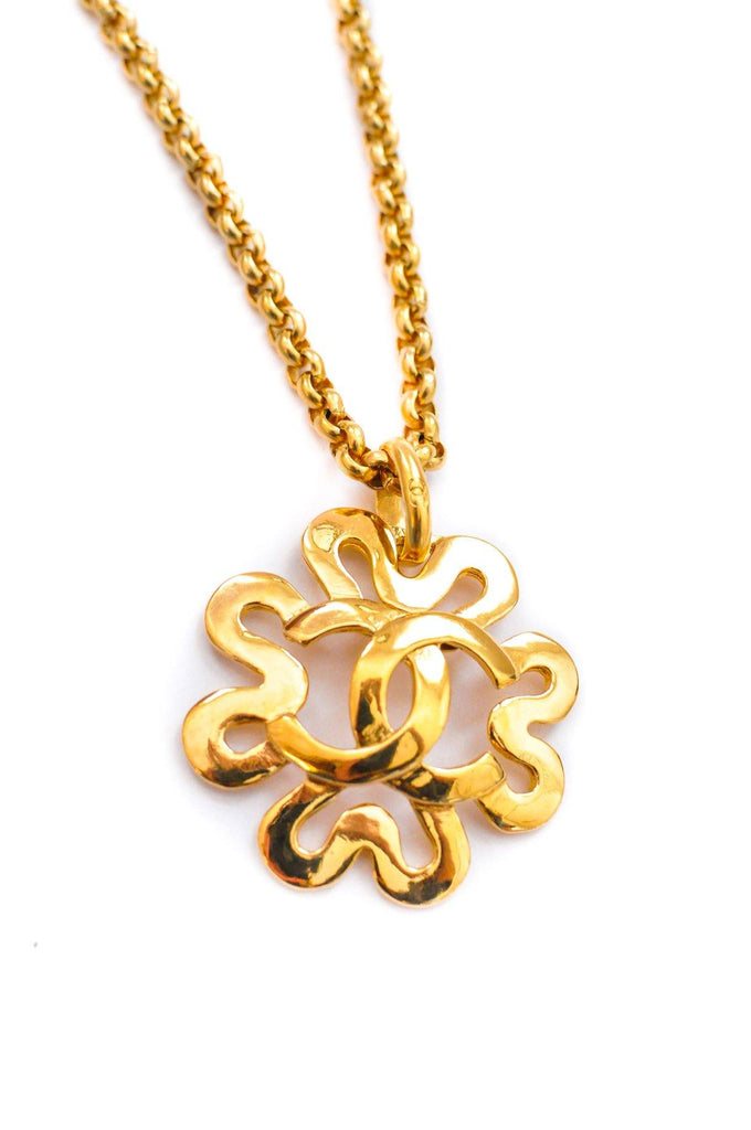 Chanel CC Floral Pendant Necklace