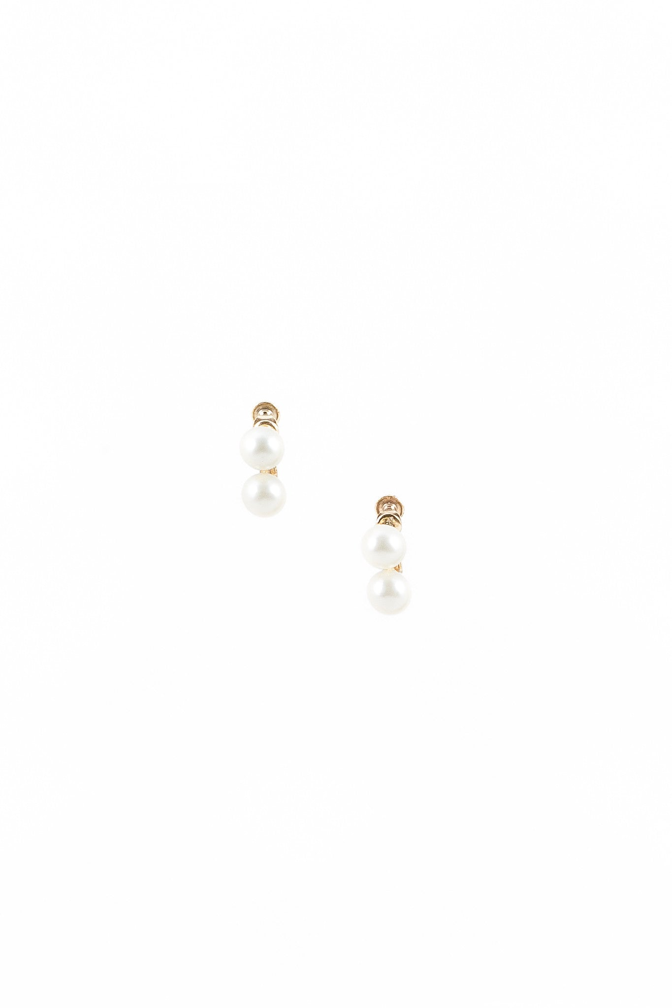 80's__Vintage__Stacked Pearl Clip On Earrings