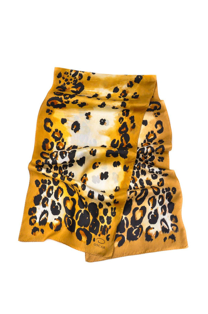 Oscar de la Renta Leopard Rectangle Scarf