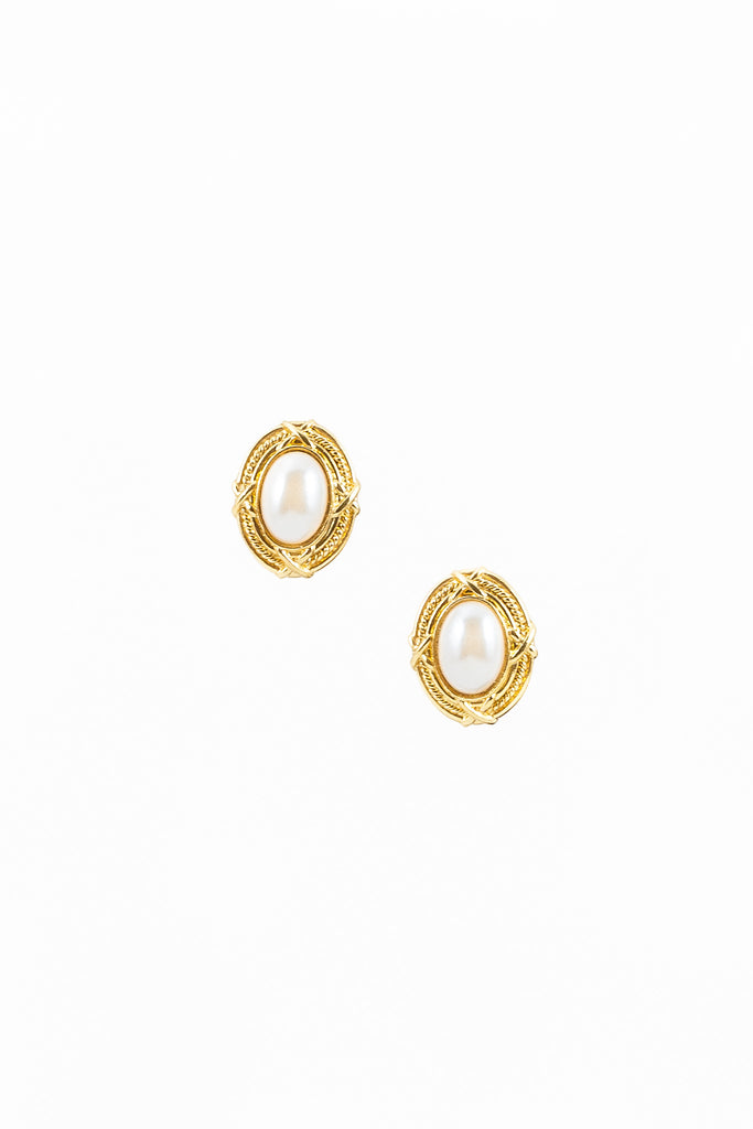 60's__Vintage__Oval Shield Pearl Earrings