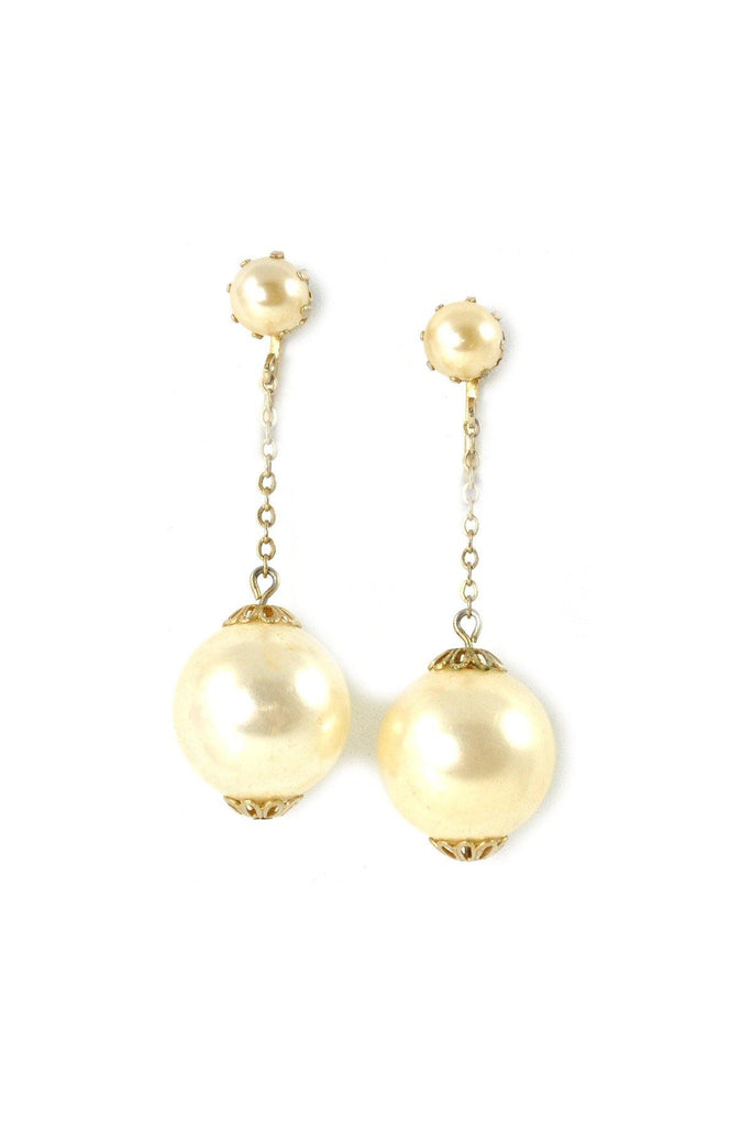 60's__Vintage__Statement Pearl Drop Clip-On Earrings