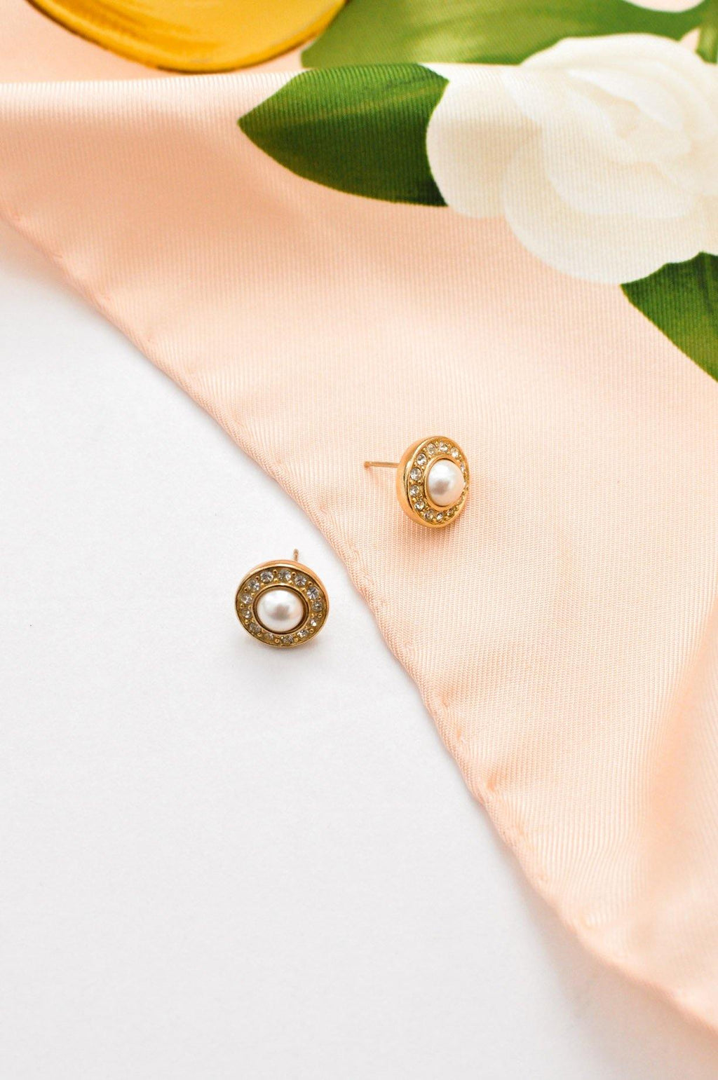 Christian Dior Mini Pearl Pierced Earrings