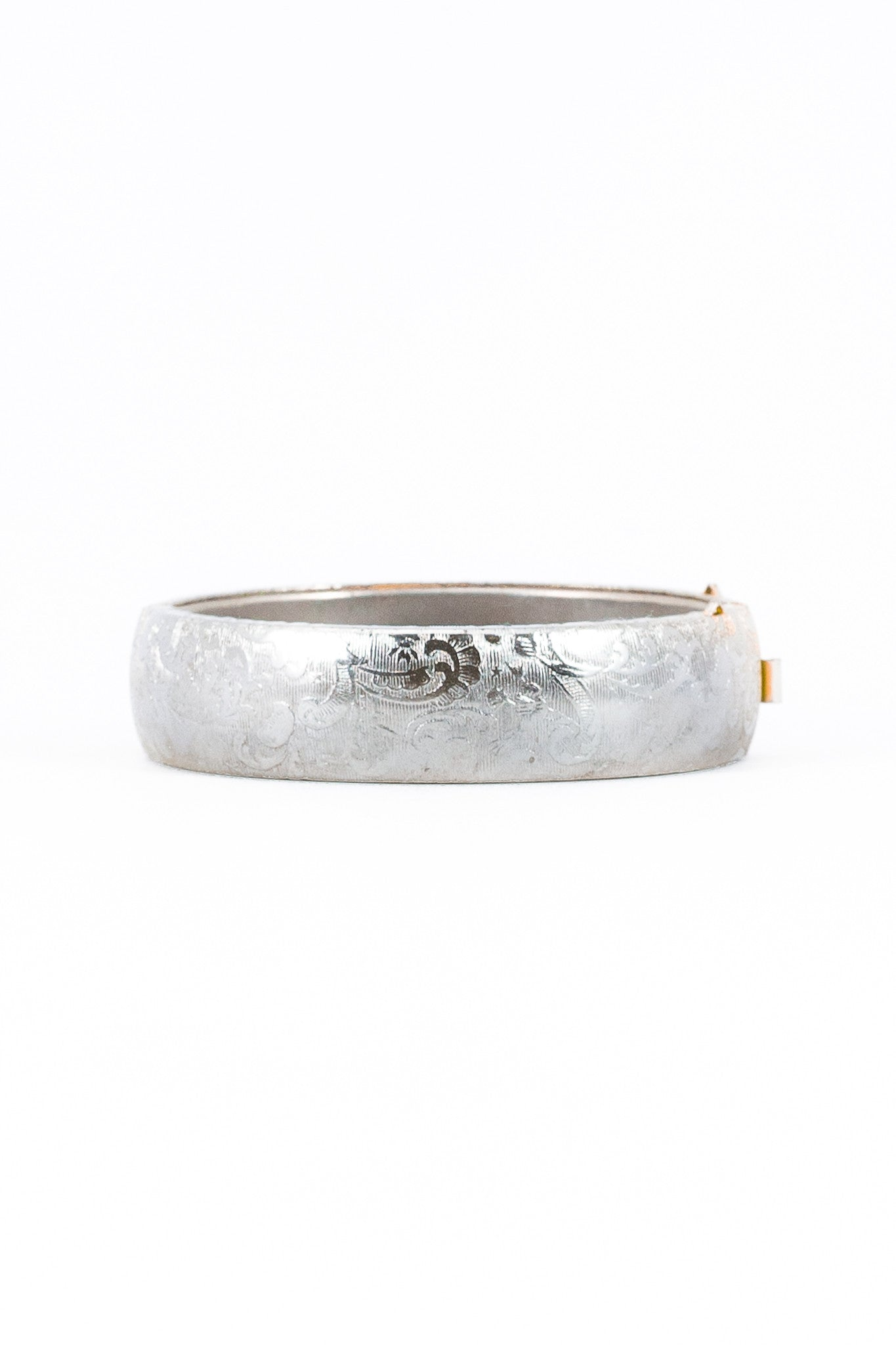 60's__Vintage__Etched Paisley Silver Bangle