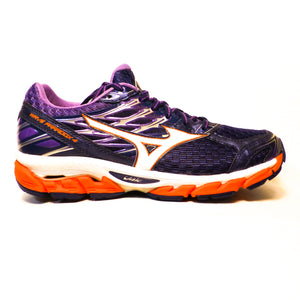 New Mizuno Women's Wave Paradox 4 - Size 8