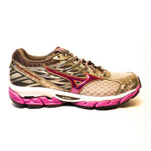 New Mizuno Women's Wave Paradox 4 - Size 7.5