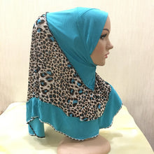 Load image into Gallery viewer, 200003922,H109 high quality medium size 70*60cm muslim amira hijab with prints pull on islamic scarf head wrap pray scarves,guiro,Zeinab Fashion.