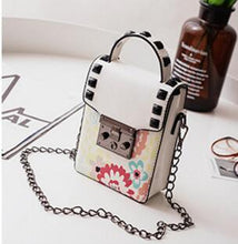 Load image into Gallery viewer, ,Women Chain Small Square Bag women Handbag Trend Printing Women Shoulder Messenger Bag Mobile Phone Leisure Women Bag  LL598,guiro,Zeinab Fashion.