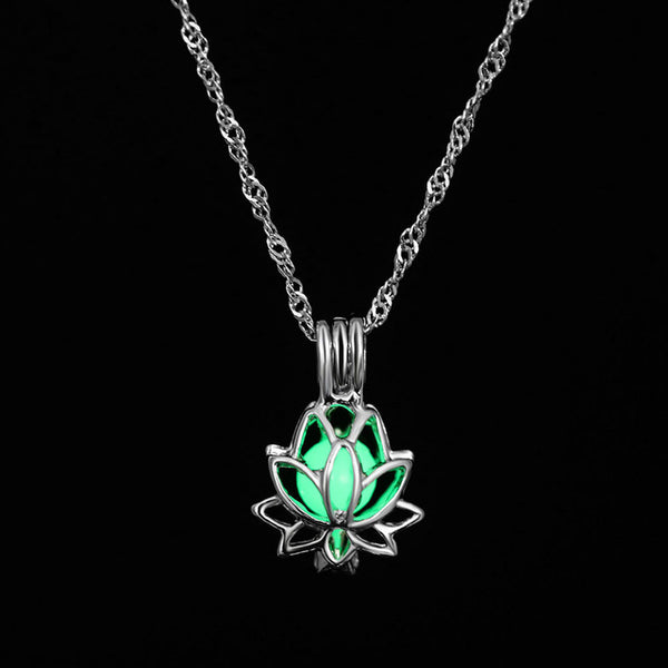 - New Hot Moon Glowing Necklace,Gem Charm Jewelry,Silver Plated,Women Halloween Hollow Luminous Stone Necklace Gifts - guiro - Guiro