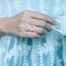 Load image into Gallery viewer, Sigourney - Circle Open Ring - aalto-store