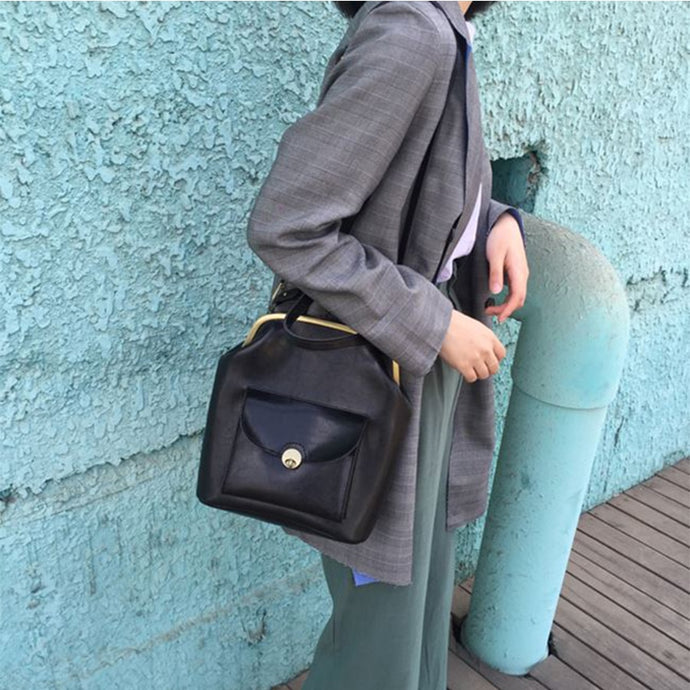 Tilly- Clip Shoulder Bag