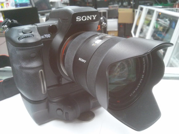 Sony Alpha A700 with 16-80 mm Lens Kit with Sony VGrip VG-C70AM - USED - Razzaks Computers - Great Products at Low Prices