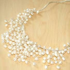 "White pearl ""bib"" necklace"