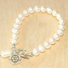 Pearl with sterling flower bracelet