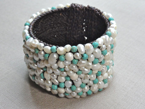2'' FW turquoise + white pearl ''pave'' cuff