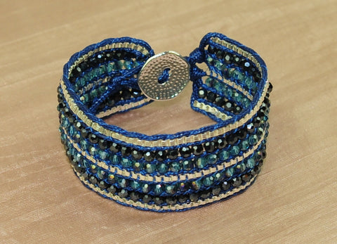 Cuff bracelet w crystal and chain - Blue