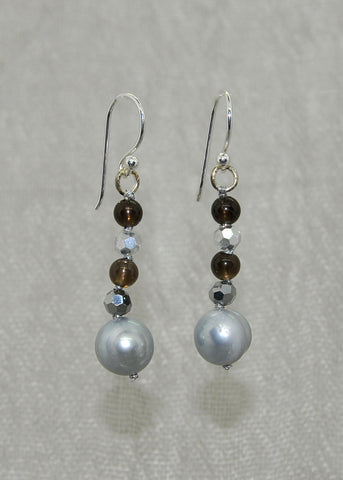 Gray pearl and crystal earrings