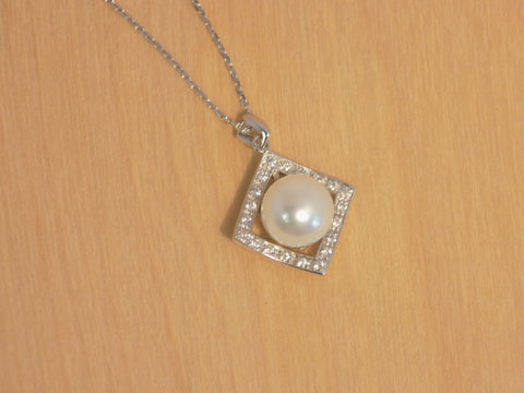 9 mm pearl Square Window 925R w/cz pendant w chain.