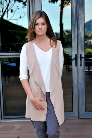 Natural Cut Vest - Camel
