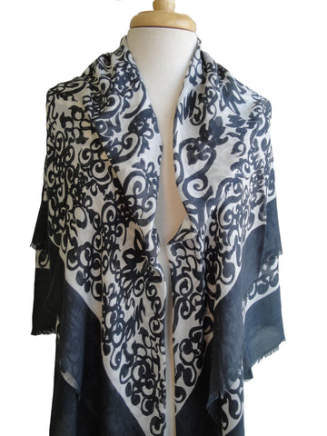 Merino Medici Scroll in Dark Gray