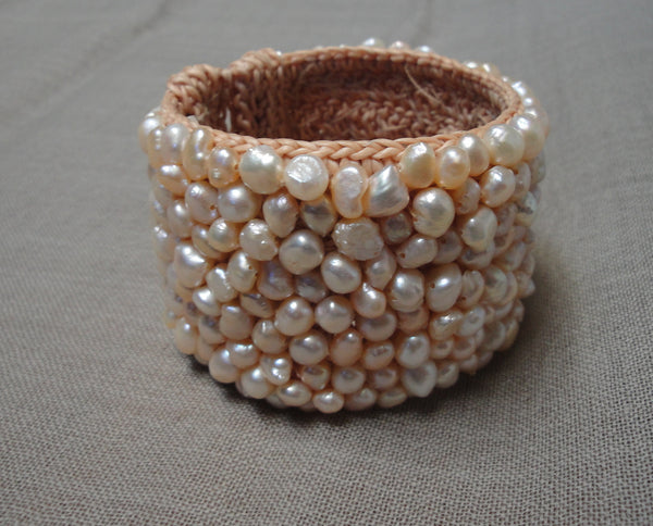 2'' FW mixed pink pearl ''pave'' cuff