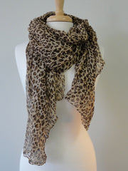 Basic Cheetah Print Scarf in Brown
