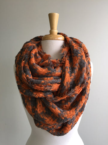 Interlocking plaid infinity - Orange w gray