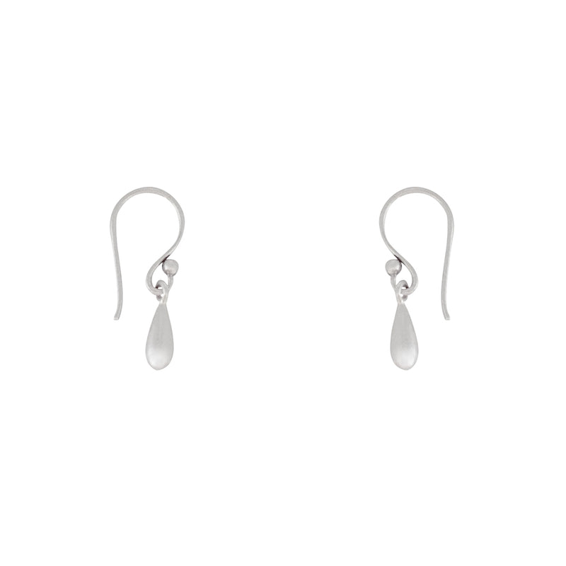 Isis earrings are a Bronwen Jewelry favorite. Long or short, silver or gold, they are everyday active-chic